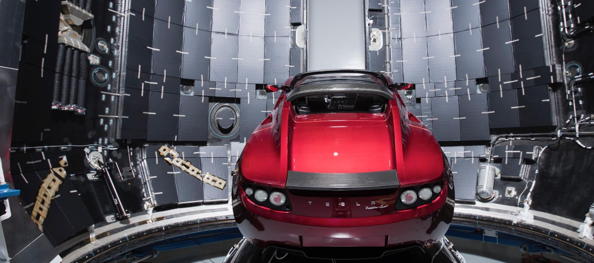 Falcon Heavy z Teslą Roadster na pokładzie